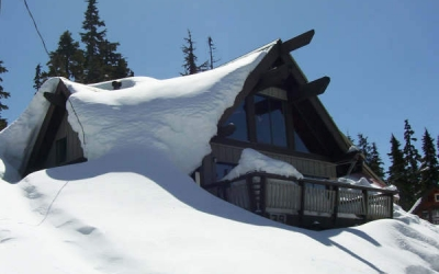 mount-washington-village-snow-buried-chalet