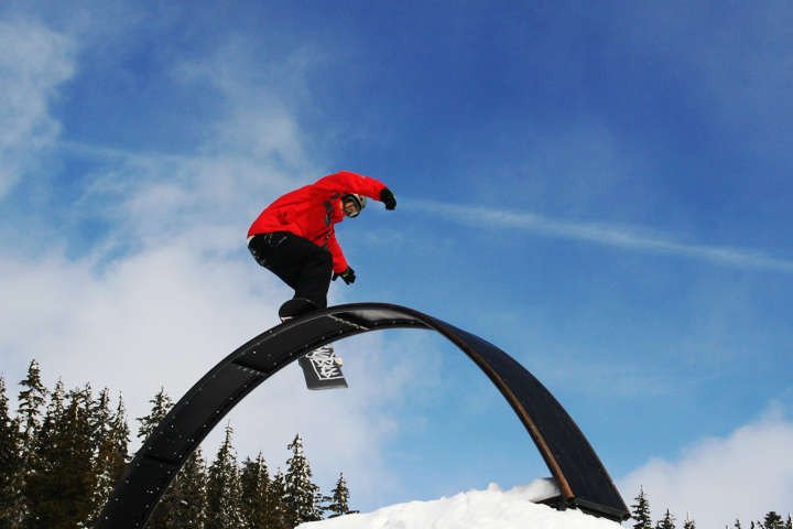Section 8 snowboard instructor courses in Canada - Train to become a snowboard instructor